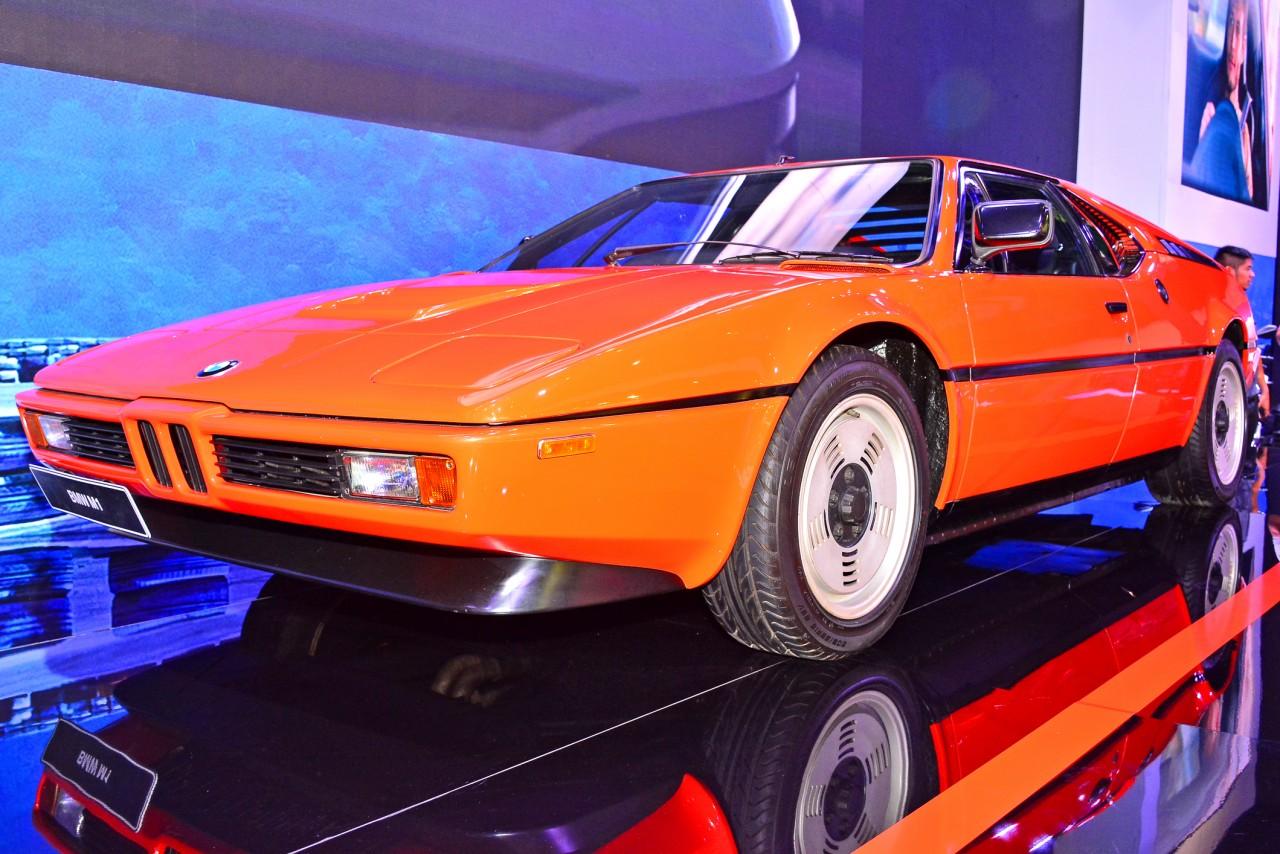 取引価格1億越えの個体も?メーカー初のミッドシップカー、BMW M1の魅力を解説