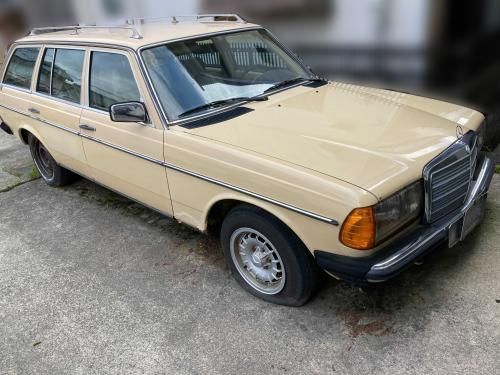 年式 メルセデスベンツ W123 (300TD)